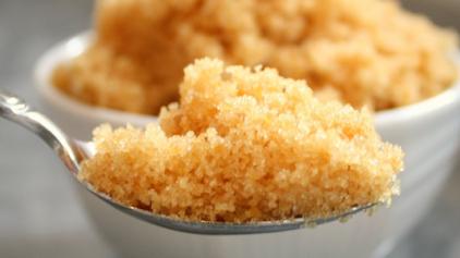 Κι όμως η καστανή ζάχαρη φτιάχνεται και στο σπίτι - Η πανεύκολη συνταγή της
