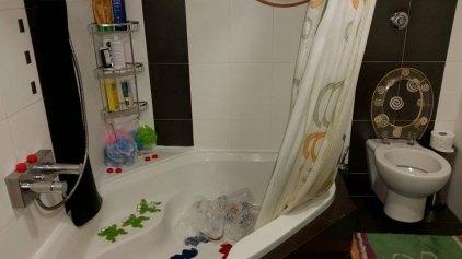 Μπάνιο ... με εμφιαλωμένο νερό