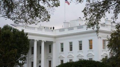Ο άνδρας που μπήκε στον Λευκό Οίκο έφτασε ως τα ιδιαίτερα του Ομπάμα