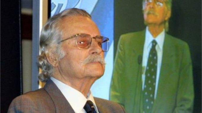 Με τιμές εν ενεργεία υπουργού η κηδεία του Γ. Χαραλαμπόπουλου