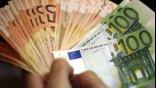 Εργαζόμενη σε εστιατόριο βρήκε και παρέδωσε τσάντα με 2.400 ευρώ
