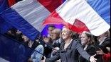 Σαρώνει η ακροδεξιά στη Γαλλία