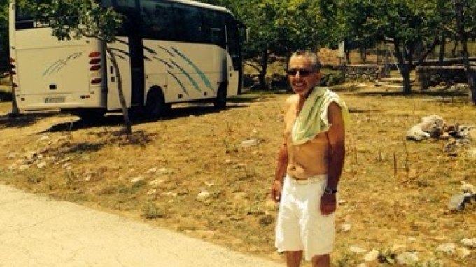 Κατάφερε να ανεβάσει το λεωφορείο στο...Λιμνάκαρο