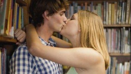 Πιο επικίνδυνο το ... φιλί για καρκίνο του εγκεφάλου και του φάρυγγα;