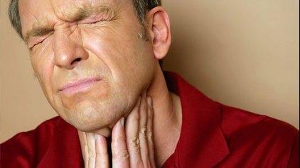 Αντιμετωπίστε τον πονόλαιμο εναλλακτικά