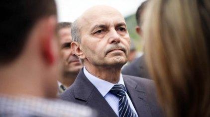 Το Κόσοβο αποκτά κυβέρνηση συνεργασίας