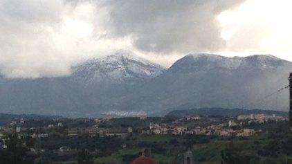 Το χιόνι στην Κρήτη έφτασε και χαμηλά!