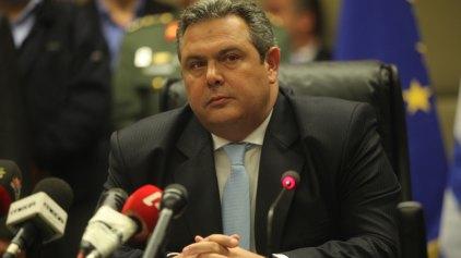 Τιμή στον Ήρωα Μ. Μπικάκη από τον νέο Υπουργό Άμυνας