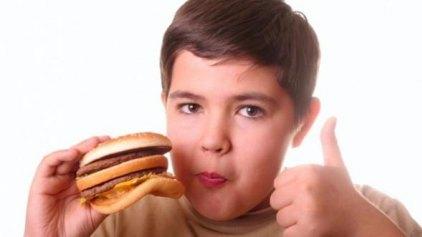 Η τηλεόραση μεγαλώνει παχύσαρκα παιδιά