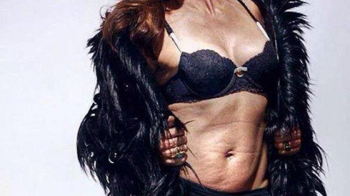 Η σέξι φωτογραφία μετά την ... αποκάλυψη της Cindy Crawford