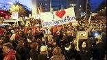 Χιλιάδες διαδηλωτές κατά της PEGIDA