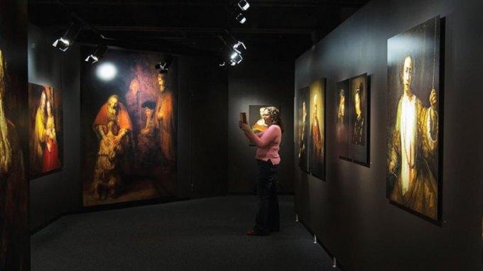 Η ολλανδική βασιλική οικογένεια επιστρέφει πίνακα που είχαν κλέψει οι Ναζί