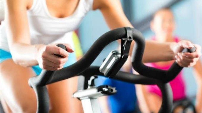Γιατί να κάνετε γυμναστική πριν από ένα λιπαρό γεύμα