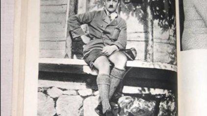 Το άκρον άωτον της γελοιότητας: ο Χίτλερ ως...λατίνος εραστής με...βερμούδα