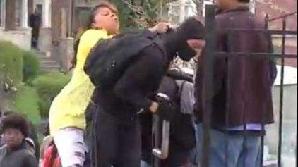 Συγχαρητήρια από την αστυνομία ...γιατί χαστούκισε τον γιο της!