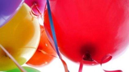 «Πάψτε να ξοδεύετε άσκοπα το ήλιο στα μπαλόνια»