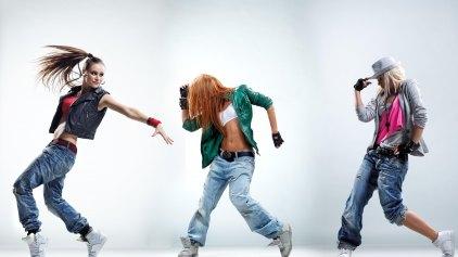 Παράσταση χορού στο Παγκρήτιο