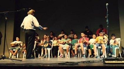Έκλεψαν την παράσταση οι μαθητές της Μουσικής Σχολής