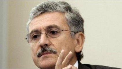 Ντ' Αλέμα: Άτοπη η παρέμβαση της Μέρκελ για την Ελλάδα