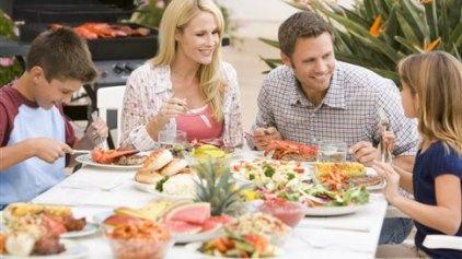 Λάθος πρακτικές στη σχέση του παιδιού με το φαγητό