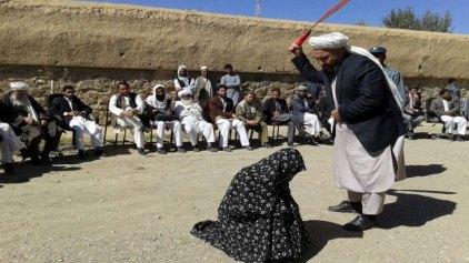Παράνομο ζευγαράκι μαστιγώθηκε δημόσια στο Αφγανιστάν