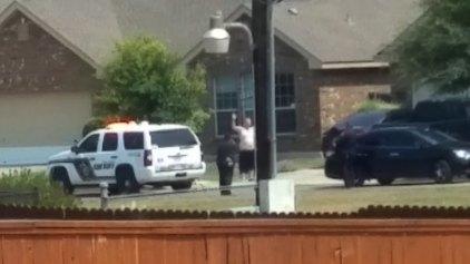 Αστυνομικοί πυροβόλησαν άνδρα με τα χέρια ψηλά
