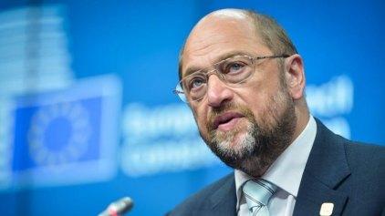 Σουλτς: Η Τουρκία να βοηθήσει την ΕΕ στην αντιμετώπιση της προσφυγικής κρίσης