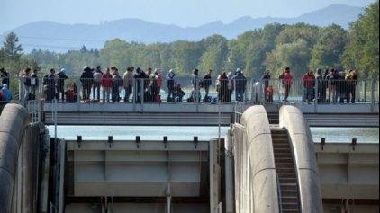 Die Zeit: Διαπληκτισμός προσφύγων στο Αμβούργο με τραυματίες