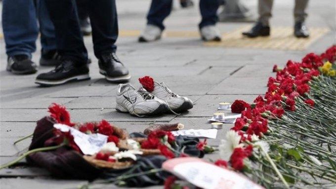 Συγκεντρώσεις στην Τουρκία στη μνήμη των θυμάτων της βομβιστικής επίθεσης στην Άγκυρα