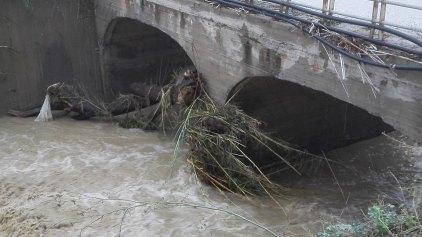 Ξενύχτησαν στον ποταμό για να αποφύγουν την πλημμύρα
