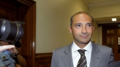 Ακάλυπτες επιταγές μοίραζε ο γιος του Γάλλου Υπουργού Εξωτερικών