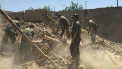 Κατάρρευση κτιρίου στοίχισε τη ζωή 17 εργαζομένων