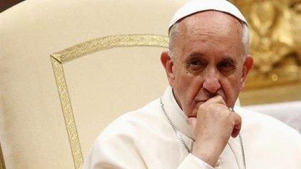 Βολές Πάπα κατά κληρικών