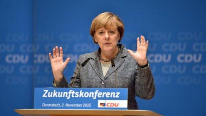 Η Μέρκελ προειδοποιεί: Αν κλείσουμε τα σύνορα για τους πρόσφυγες, θα έχουμε ένοπλες συγκρούσεις