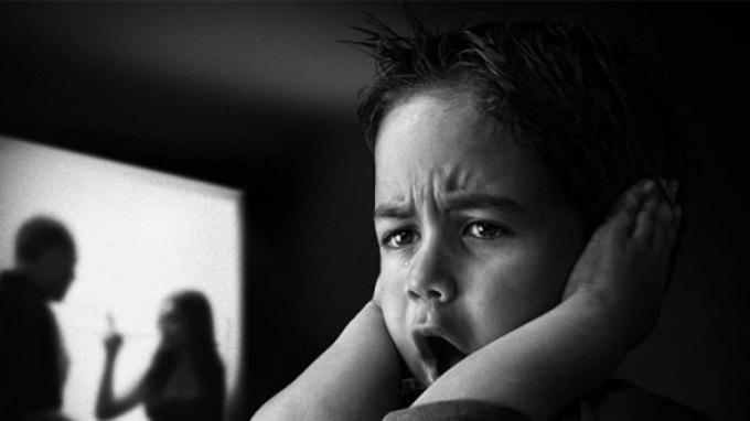Η ενδοοικογενειακή βία «κληροδοτείται» στις επόμενες γενιές