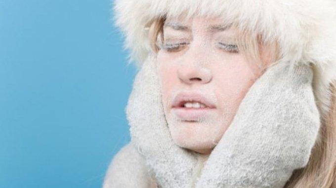 Ξηρότητα προσώπου το χειμώνα: 5 βήματα αναζωογόνησης