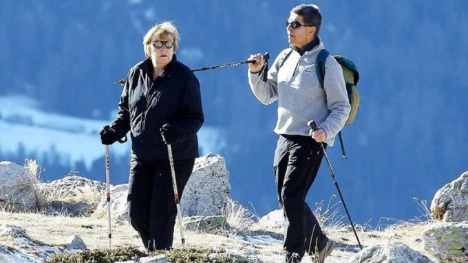 Στις ελβετικές Άλπεις για ορειβασία η Μέρκελ