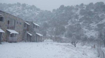 """""""Το στρωσε"""" για τα καλά στην Κρήτη - Με χιόνια και τσουχτερό κρύο η έλευση του 2016!"""