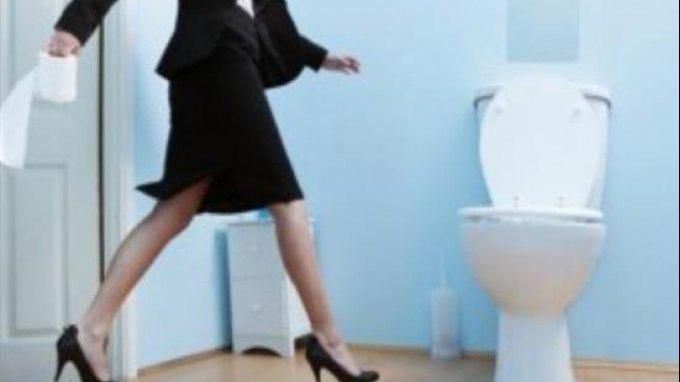 Πώς θα προστατευθείτε από τα μικρόβια στις κοινόχρηστες τουαλέτες