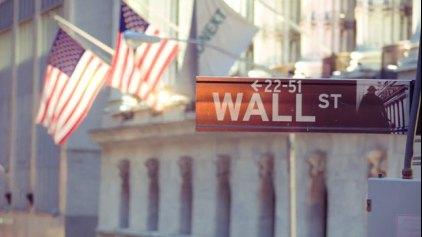 Υπό πιέσεις η Wall Street την τελευταία μέρα του Φεβρουαρίου
