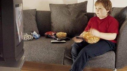 Υπέρβαροι οι μισοί Έλληνες άνω των 15 ετών