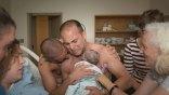 Η φωτογραφία των γκέι μπαμπάδων και η χρήση της σε καμπάνιες κατά των ομοφυλόφιλων