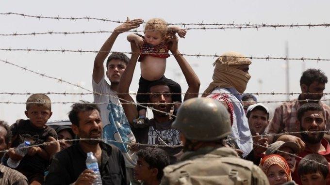 Αμερικανοί αξιωματούχοι: Υπό κατάρρευση η ΕΕ λόγω προσφυγικού