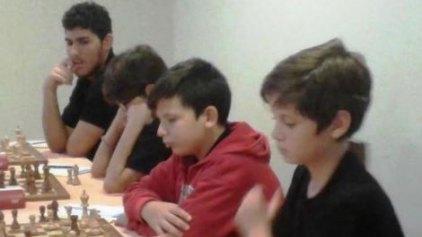 Εντυπωσιακή κυριαρχία των μικρών σκακιστών στο Ηράκλειο
