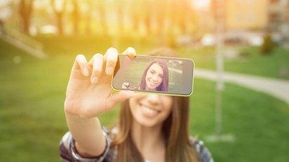 Οι selfies βλάπτουν σοβαρά την επιδερμίδα σας