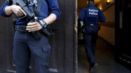 Διασυνδέσεις μεταξύ των υπόπτων αποκαλύπτουν οι έρευνες για την τρομοκρατία