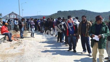Κομισιόν: Ενθαρρυντική η μείωση των ημερήσιων αφίξεων μεταναστών στα ελληνικά νησιά