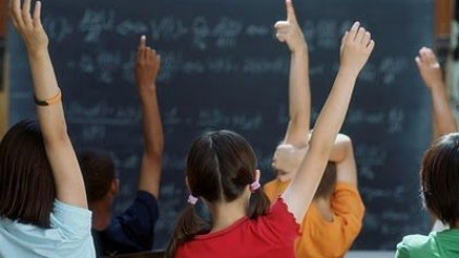 Οι δίγλωσσοι μαθητές δεν υστερούν σε γνώσεις