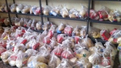 Διανομή τροφίμων από το Δήμο Πλατανιά