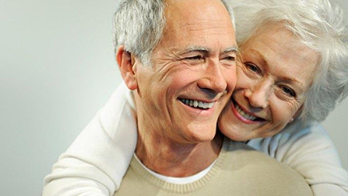Εντοπίστηκε στον εγκέφαλο μηχανισμός που ελέγχει (και επιβραδύνει) τη γήρανση